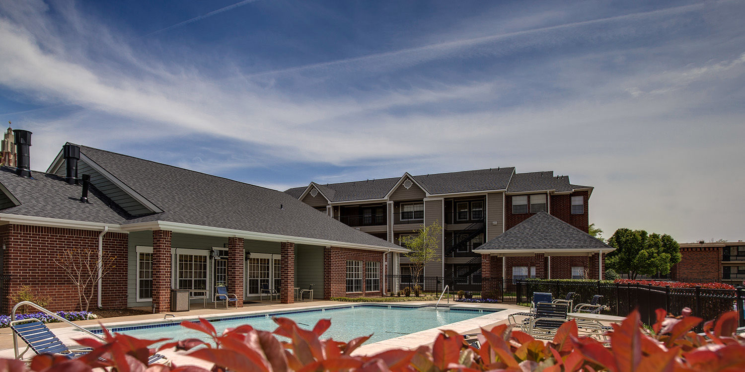 The swimming pool of Cokesbury Court student apartments at OCU.